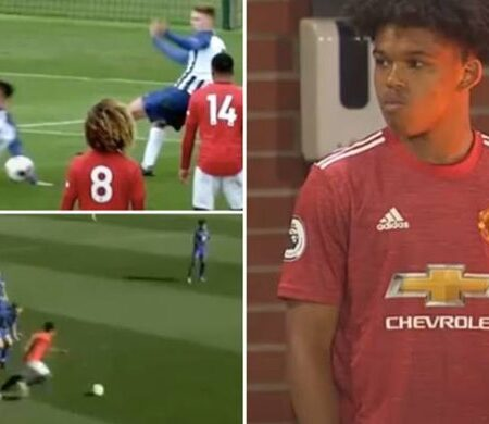 """Conhece o jovem sensação do Manchester United que com 16 anos de idade, é visto como """"o próximo Jadon Sancho"""""""